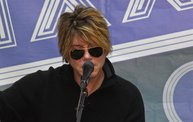 Johnny Rzeznik :: Studio 101 Performance :: 12/23/13 22