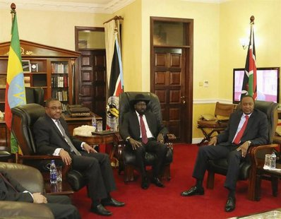 (L-R) Ethiopia's Prime Minister Hailemariam Desalegn, South Sudan President Salva Kiir and Kenya's President Uhuru Kenyatta meet in the capi