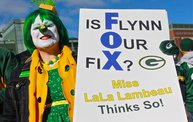 Our 60 Favorite Green & Gold Fan Shots of the 2013 Season 5