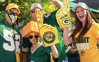 Our 60 Favorite Green & Gold Fan Shots of the 2013 Season 30