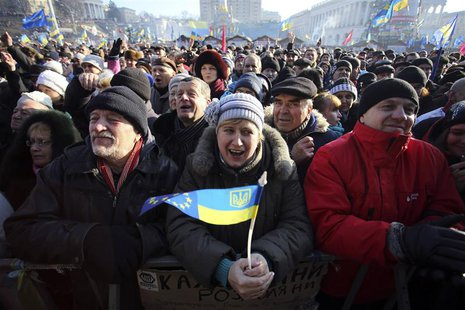 Pro-European integration protesters hold a rally in Independence square in central Kiev, December 29, 2013. REUTERS/Maxim Zmeyev