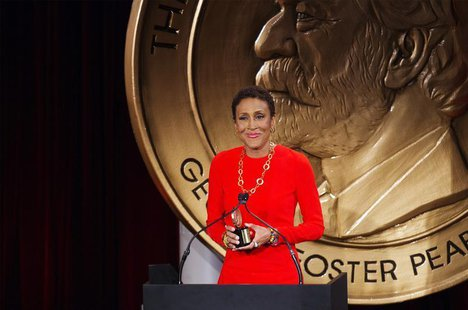 "Television host Robin Roberts speaks after being awarded a Peabody Award for her work in ""Robin's Journey"" in New York May 20, 2013. REUTERS"