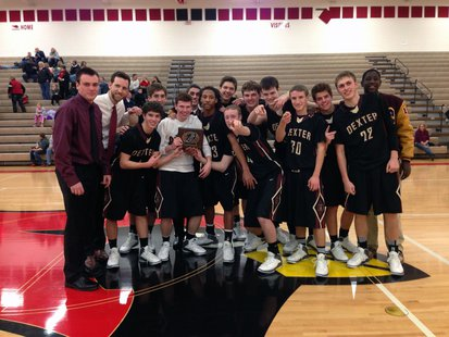 Dexter won the varsity boys division of the 5th Annual Cardinal Holiday Hoops Tournament.