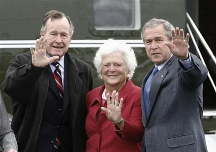 Then U.S. President George W. Bush (R) waves alongside his parents, former President George Bush and former first lady Barbara Bush upon their arrival in Fort Hood, Texas, in this April 8, 2007 file More... CREDIT: REUTERS/JASON REED/FILES
