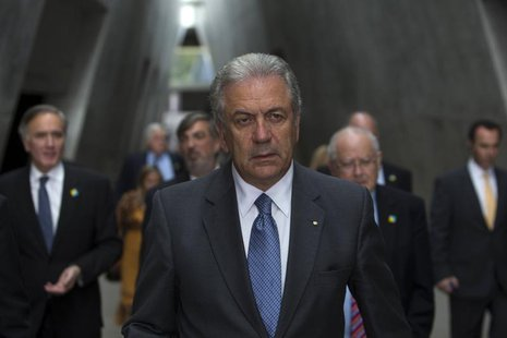 Greece's Foreign Minister Dimitris Avramopoulos visits Yad Vashem Holocaust Memorial in Jerusalem May 29, 2013. REUTERS/Ronen Zvulun