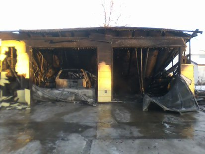 Fire guts garage in Wahpeton  (Gary Rogers, KFGO News)