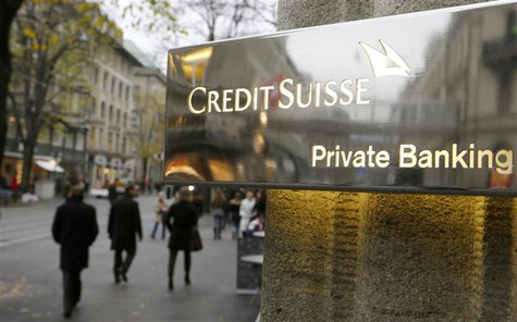 The logo of Swiss bank Credit Suisse is seen in front of a branch office in Zurich in this November 21, 2013, file photo. REUTERS/Arnd Wiegm