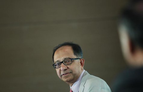 The World Bank chief economist Kaushik Basu speaks during a business conference in New Delhi August 19, 2013. REUTERS/Anindito Mukherjee