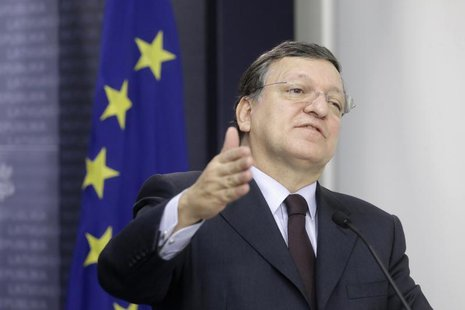 President of the European Commission Jose Manuel Barroso gestures as he speaks during a news conference in Riga January 10, 2014. REUTERS/In