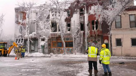 Deadly New Year's Day fire in Minneapolis. (Credit: CBS)