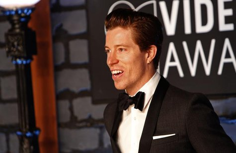Snowboarder Shaun White arrives at the 2013 MTV Video Music Awards in New York August 25, 2013. REUTERS/Andrew Kelly