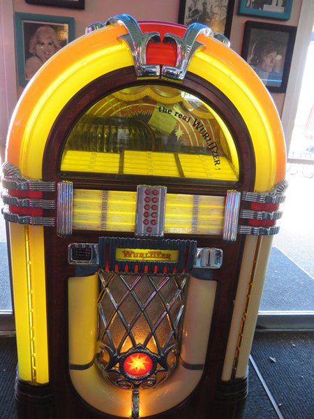 Jukebox in Rockabilly's Restaurant in Graceland