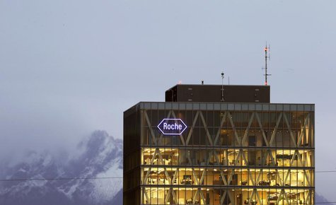 The logo of Swiss pharmaceutical company Roche is seen at a plant in the central Swiss village of Rotkreuz November 6, 2013. REUTERS/Arnd Wi