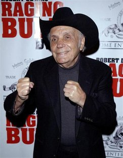 Jake LaMotta arrives for the 25th anniversary screening of the film Raging Bull in New York in this January 27, 2005 file photo. Reuters\Chi