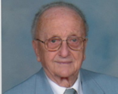 Lloyd VanRaalte (photo courtesy Fields-McKinley Funeral and Cremation Services)