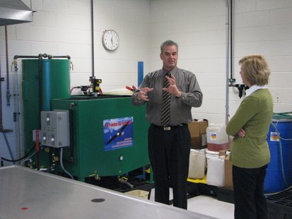 Senator Tammy Baldwin tours renewable energy lab at Mid-State Technical College, Wisconsin Rapids, WI