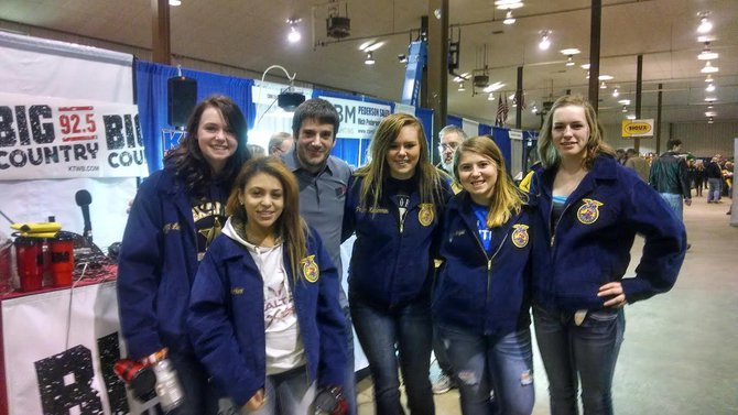 Robbie and the FFA gals