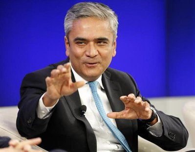 Deutsche Bank Co-chief Executive Anshu Jain speaks during a session at the World Economic Forum (WEF) in Davos January 25, 2014. REUTERS/Rub