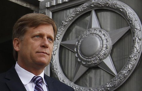 U.S. Ambassador Michael McFaul walks outside as he leaves the Russian Foreign Ministry headquarters in Moscow, May 15, 2013. REUTERS/Maxim S
