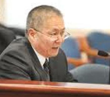 Battle Creek City Manager Ken Tsuchiyami has given the Commission his two weeks notice.