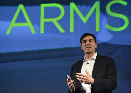 Chairman and CEO of AOL, Tim Armstrong, speaks during the launch of the HTC One smartphone in London February 19, 2013. REUTERS/Toby Melvill