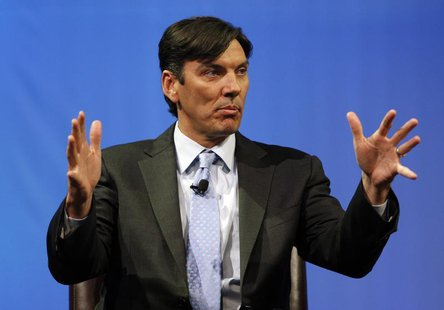 Chairman and CEO of AOL Tim Armstrong speaks during a panel session at The Cable Show in Boston, Massachusetts May 21, 2012. REUTERS/Jessica