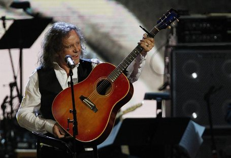 Donovan performs after being inducted into the Rock n' Roll Hall of Fame during the 2012 induction ceremony in Cleveland, Ohio April 14, 201