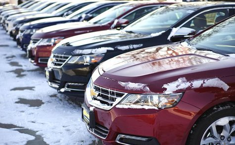 A line of Chevrolet autos made by General Motors are seen for sale at a dealer in Wheat Ridge, Colorado February 6, 2014. REUTERS/Rick Wilki