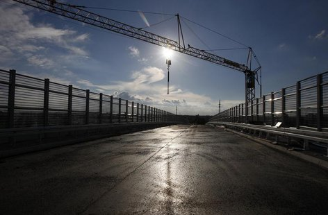 A construction site of part of a ring road is seen in Warsaw city, September 20, 2013. REUTERS/Kacper Pempel