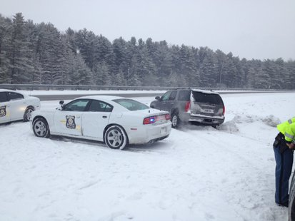 2-14 Indiana State Police helping motorists during Friday snow.  Photo courtesy ISP