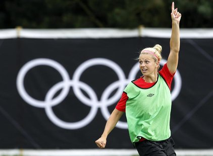 Canada's Lauren Sesselmann attends a women's football training session at the London 2012 Olympic Games in Coventry August 2, 2012. REUTERS/