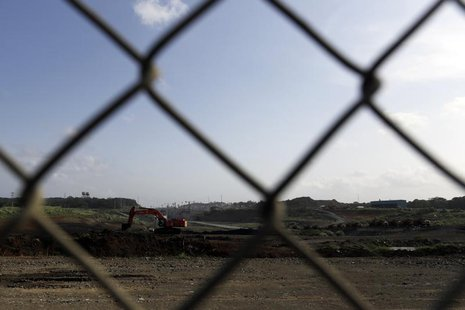 An idle digger is seen at the construction site of the Panama Canal Expansion project on the outskirts of Colon City February 12, 2014. REUT