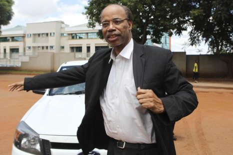 Former U.S. congressman Mel Reynolds arrives at the Harare Magistrates court, February 19, 2014.  CREDIT: REUTERS/PHILIMON BULAWAYO