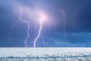 Thunder Snow, just one of the weather phenomena we have experienced in the last few days