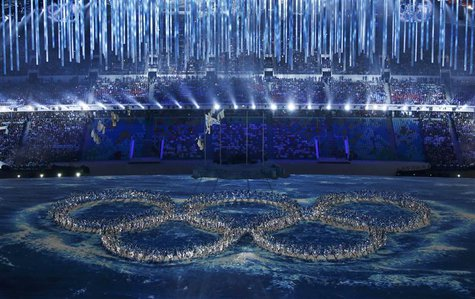 Performers form the Olympic rings during a show at the closing ceremony for the 2014 Sochi Winter Olympics, February 23, 2014. REUTERS/Eric