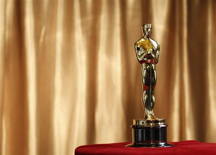 "An Oscar statuette is displayed at the ""Meet the Oscars"" exhibit at Grand Central Station in New York in this February 23, 2011 file photo."