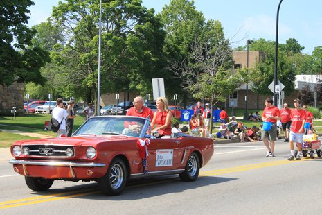 Congressman John Dingell and wife Debbie in the 2011 Ypsilanti Independence Day Parade, July 4, Michigan Avenue, downtown Ypsilanti, Michigan. (Courtesy Wikimedia Commons)