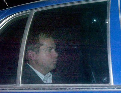John Hinckley Jr. departs from the E. Barrett Prettyman U.S. District Court building in Washington, November 18, 2003 file photo. REUTERS/Br