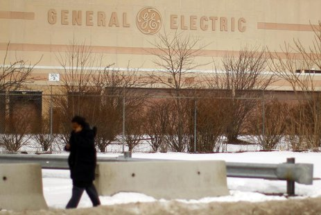 General Electric Co. acknowledged on Thursday that a cut in its top-tier credit rating was possible, but its chief financial officer said th