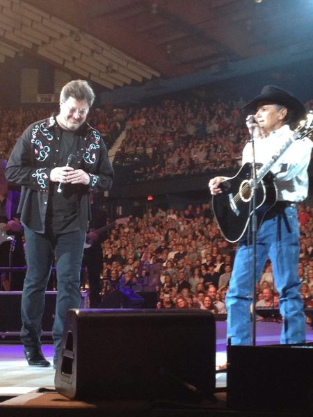Vince Gill sings with George Strait
