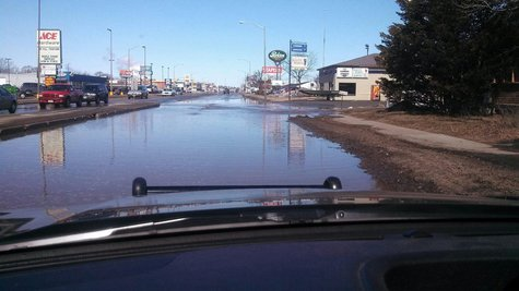 8th Street So Wisconsin Rapids flooded by water main break.  PHOTO:  Wisconsin Rapids Police Department