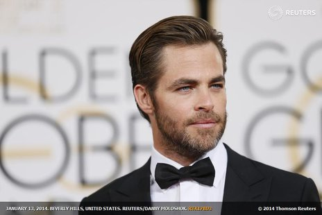 Actor Chris Pine arrives at the 71st annual Golden Globe Awards in Beverly Hills, California January 12, 2014. REUTERS/Danny Moloshok