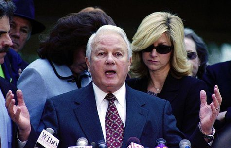 Louisiana's former four-term Governor Edwin Edwards speaks to the media in Baton Rouge January 8, 2001.