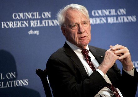Former Secretary of Defense James Schlesinger speaks at the Council on Foreign Relations in New York December 18, 2006. REUTERS/Brendan McDe