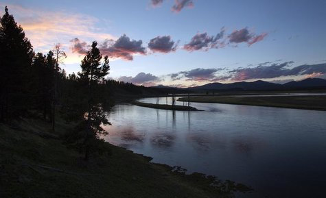 The Yellowstone River winds through the Hayden Valley in Yellowstone National Park, Wyoming, June 9, 2013. REUTERS/Jim Urquhart