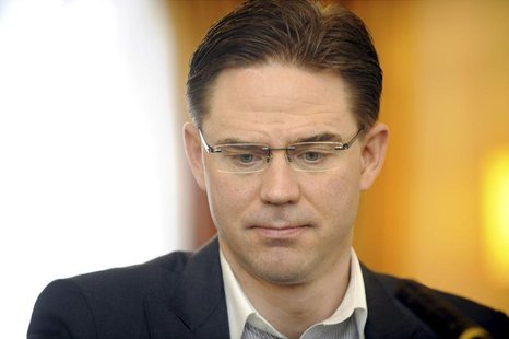Finland's Prime Minister Jyrki Katainen is interviewed on Yle Radio Finland in Helsinki April 6, 2014. REUTERS/Mikko Stig/Lehtikuva