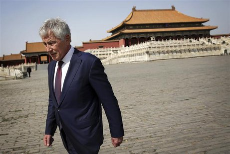 U.S. Secretary of Defense Chuck Hagel tours the Forbidden City in Beijing April 9, 2014. REUTERS/Alex Wong/Pool (