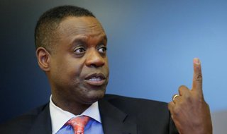 Detroit's emergency manager Kevyn Orr gestures as he speaks during an interview with Thomson Reuters in New York April 9, 2014. REUTERS/Edua