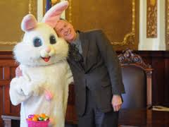 Gov. Daugaards Easter egg hunt