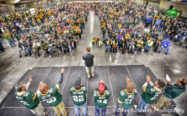 WOW..awesome crowd of 650 fans at the MARC in Merrill!! Great to see everyone turn out for Lynn Dickey, James Lofton, Paul Coffman, Jarrett Bush, Brad Jones, and Mason Crosby..that's host Bryon Graff from TV 9's PackAttack there on the far right..and Packer Pres Mark Murphy at the mic!